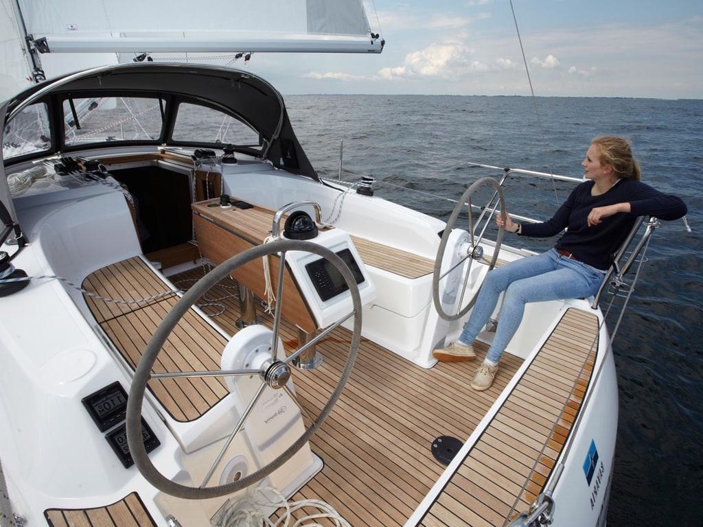 Sailing yacht Bavaria 34