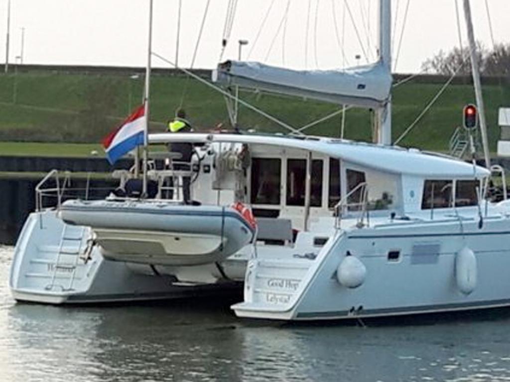 Rent a sailing boat - Brug Jachtverhuur