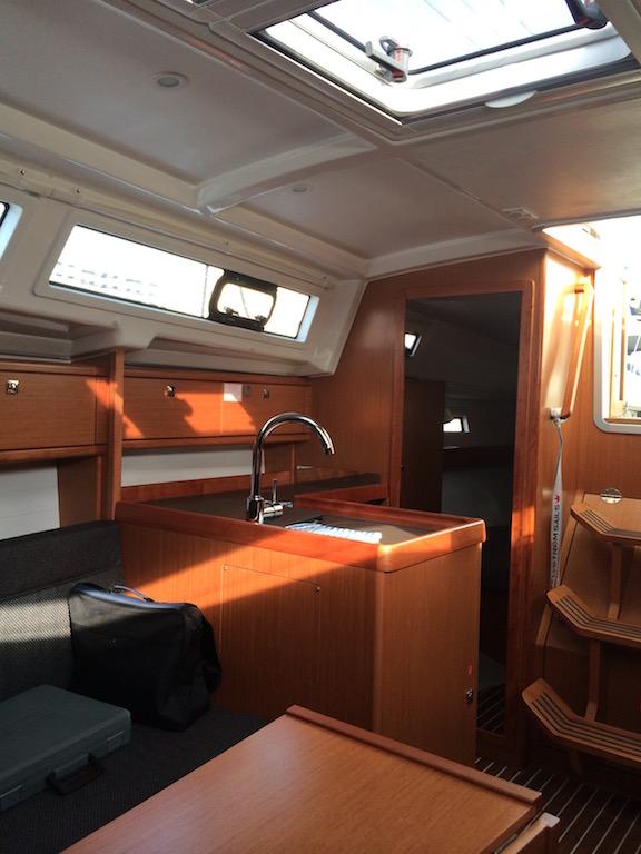 The Sailboat Bavaria 33 inside
