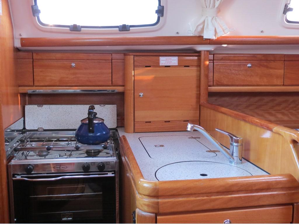"Bavaria 30 Cruiser ""Andoma"" - Brug Jachtverhuur"