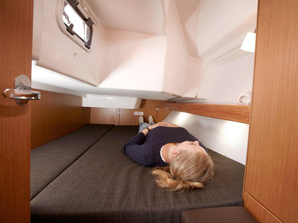 Sailing yacht Bavaria 34 sleeping cabin
