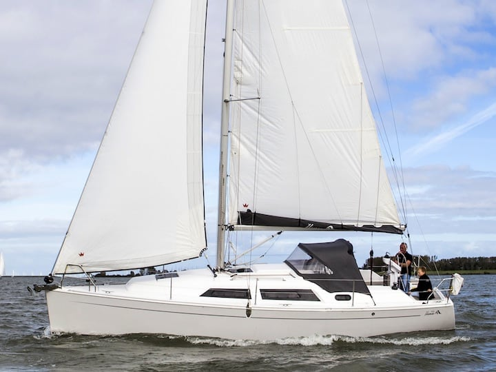 Hanse 325 sailing charter holland