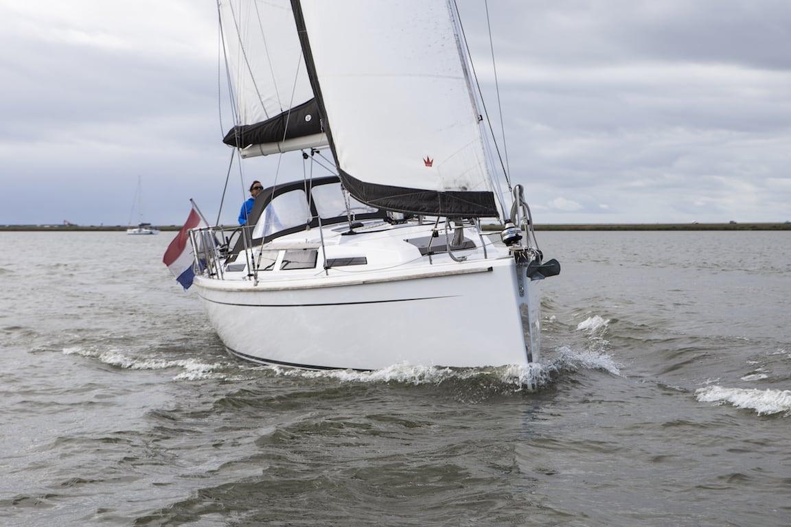 Sailing yacht Hanse 345 ijsselmeer