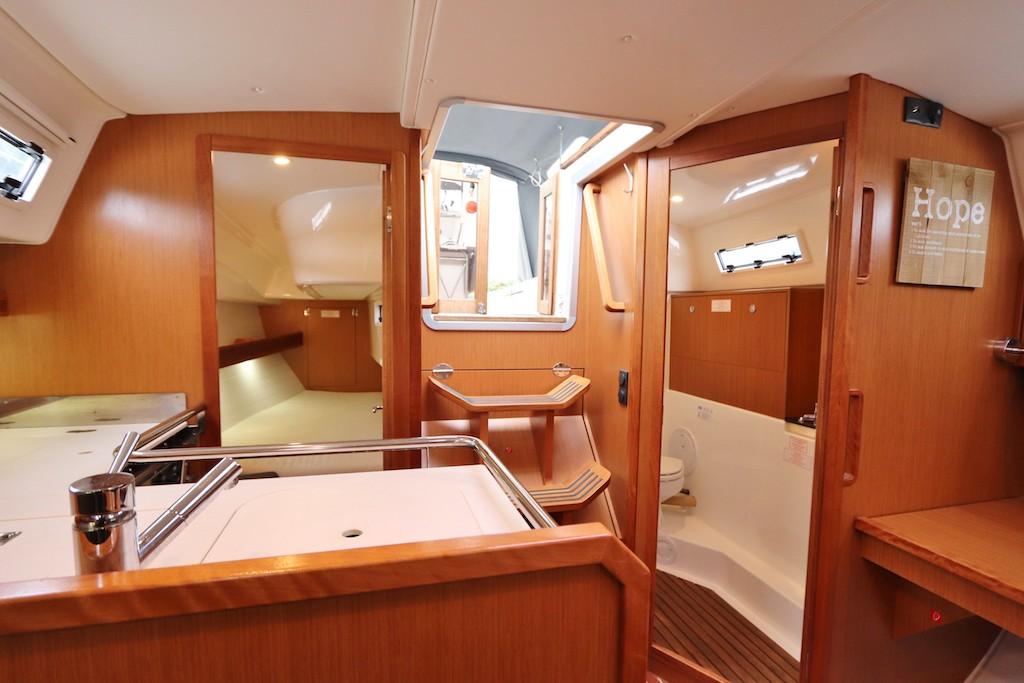 Charteryacht Bavaria 32
