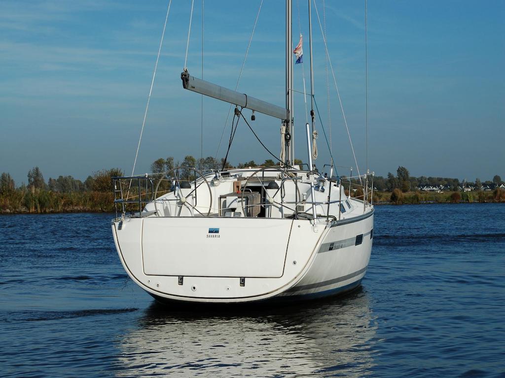 Sailingyacht Bavaria 40 back