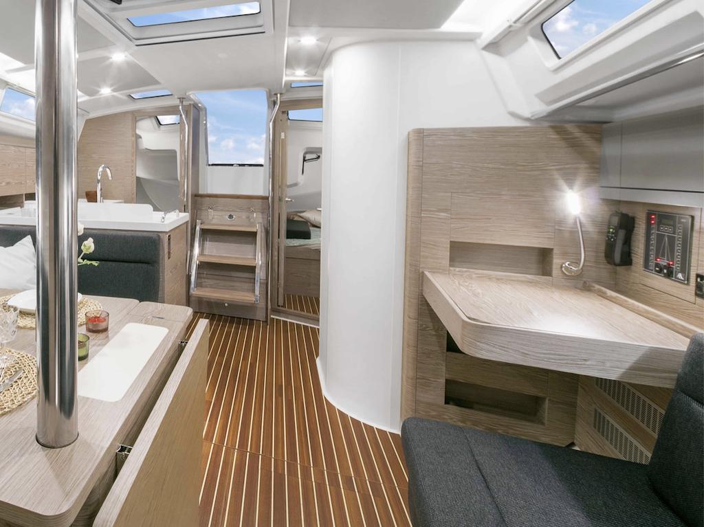 Sailing Yacht Hanse 388 interior